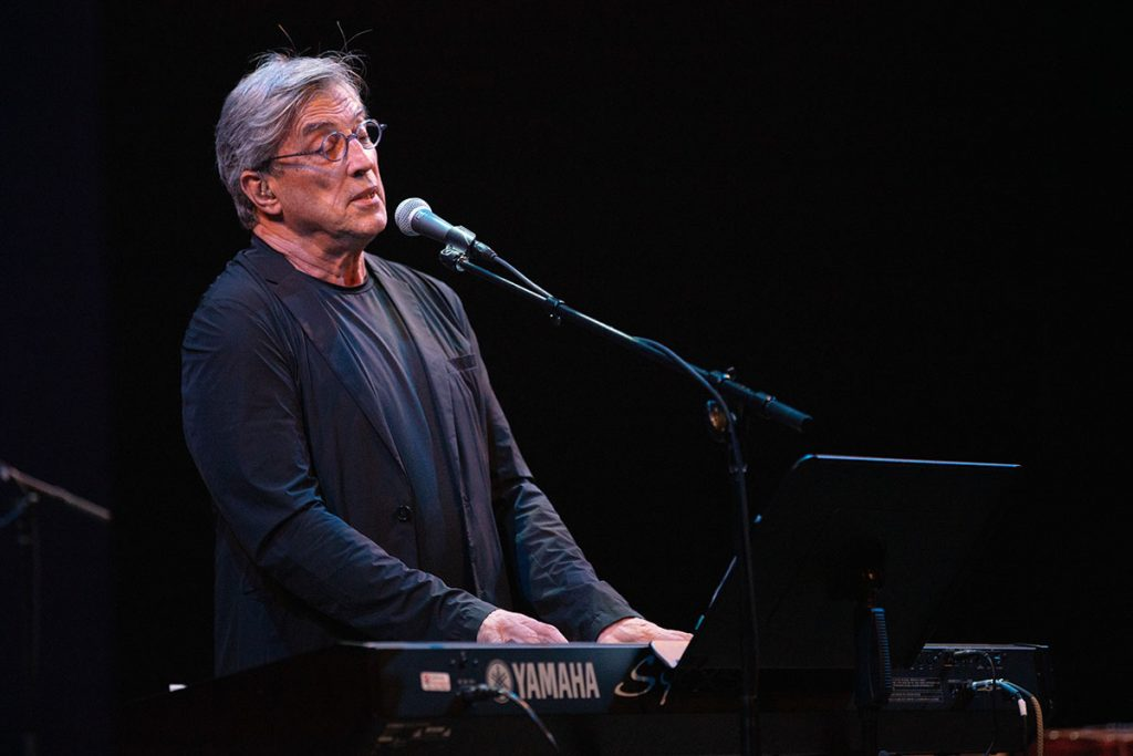 Brazilian artist Ivan Lins stunned fest-goers with an amazing set at the Hammer Theatre Stage. Photo by Robert Birnbach